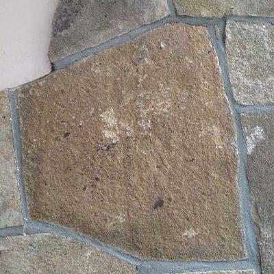 Polygonplatten als Wandverkleidung